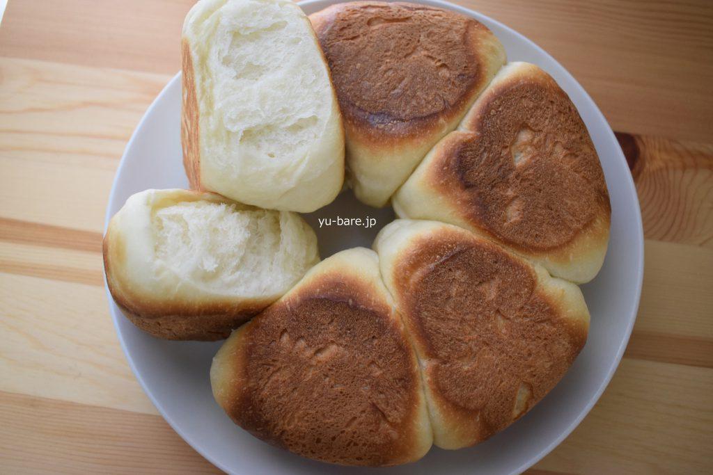 パンをちぎった写真